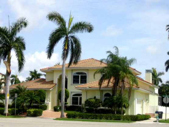 You need to call our experienced professionals who take pride in their work and work to make sure your satisfaction is guaranteed. Call Painting Contractor & Waterproofing Ft. Lauderdale today!